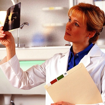 Examining X-ray by colegiocetas on flickr
